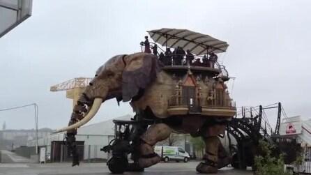 Viaggiare su un elefante meccanico... in Francia è possibile!