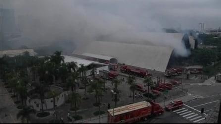 Incendio al Latin America Memorial di Niemeyer a San Paolo