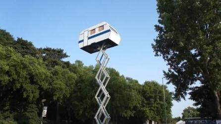 """""""Un caravan nel cielo"""" dell'artista Benedetto Bufalino"""