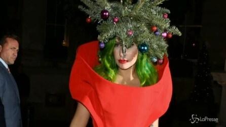 Lady Gaga dagli alberi di Natale ai Grammy 2014 con Katy Perry e Beyoncè