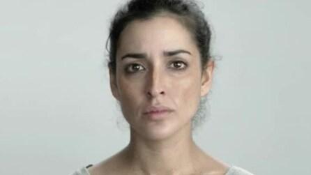 Ecco gli effetti della povertà sul volto di una donna