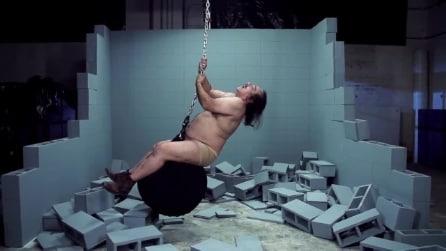 """Ron Jeremy, il divo porno imita Miley Cyrus in """"Wrecking Ball"""""""