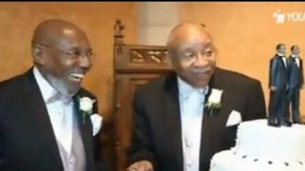 Coppia di anziani gay, insieme da una vita, può finalmente sposarsi