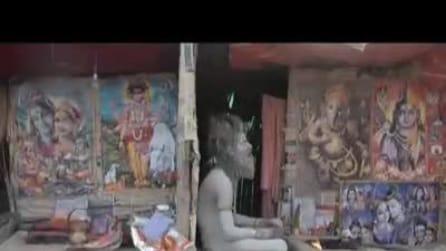 India, bagno sacro degli Indù nel Gange: il raccolto sia buono