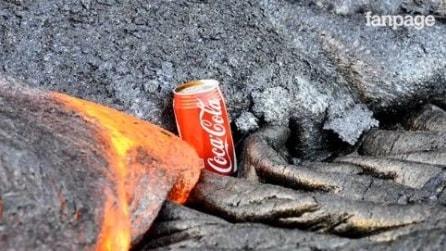 Ecco cosa succede se lasci una lattina di Coca Cola nella lava di un vulcano