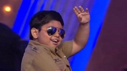 """Akshat Singh conquista il web con la performance a """"India's Got Talent"""""""