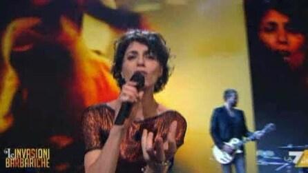 """Giorgia canta """"Pregherò"""" ospite a Le invasioni Barbariche"""
