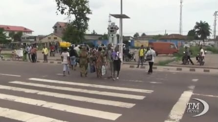 A Kinshasa un robot-semaforo per regolare il traffico