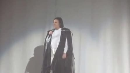 Renato Zero senza voce abbandona il concerto