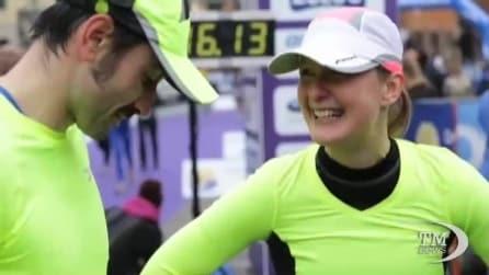 Maratona a sorpresa: proposta di matrimonio davanti a migliaia di persone
