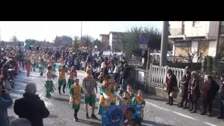 Sfilata di Carnevale a Calusco d'adda del 2 3 2014 6 ° parte