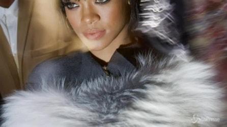 Rihanna star delle sfilate a Parigi: da Lavin con cappello e pelliccia
