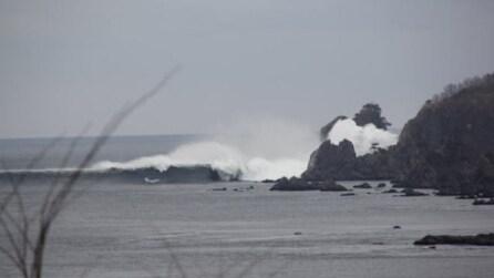 Video inedito, lo tsunami del 2011 visto dal porto di Kuji: la spaventosa onda anomala