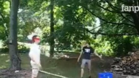 Uno scherzo molto doloroso al parco