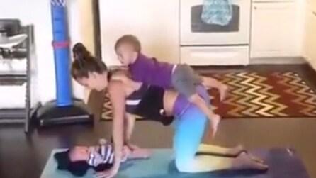 Essere mamma senza rinunciare alla cura del corpo: gli esercizi in famiglia vi conquisteranno