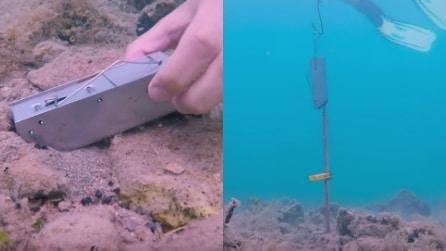 Mette un trappola sul fondo dell'oceano: quello che cattura è spaventoso