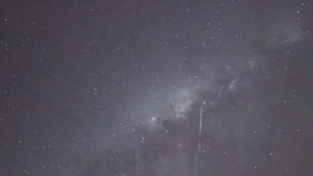 Una pioggia di meteoriti illumina il cielo: spettacolo mozzafiato in Australia