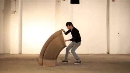 Si espande e si modella all'infinito: ecco la sedia di carta che vi conquisterà
