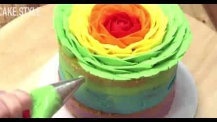 Torta arcobaleno a forma di rosa: ecco come realizzarla