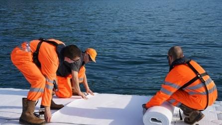 Ecco come è fatta la passerella galleggiante sul lago d'Iseo