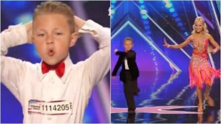 Un bambino e una bellissima ballerina sul palco: ciò che faranno vi lascerà senza parole