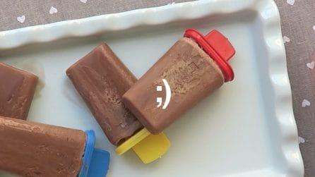 Ghiaccioli al cioccolato e latte: la ricetta super veloce