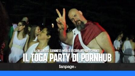Il toga party di Pornhub: da tutta Italia per battere il Guinness World Record
