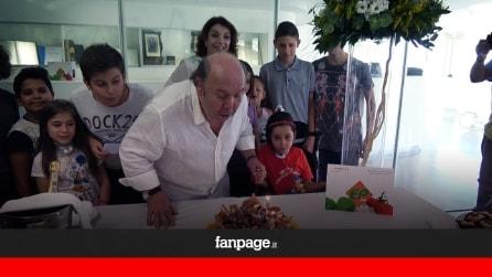 """Lino Banfi festeggia i suoi 80 anni in ospedale: """"Ai bambini più sorrisi e meno medicine"""""""