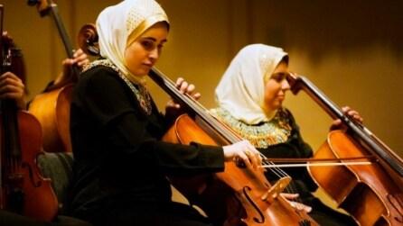 Un'orchestra formata da donne non vedenti: provano senza spartito, ma la loro esibizione è da brividi
