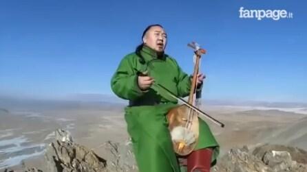 È una delle tecniche canore più antiche al mondo: la performance vi incanterà