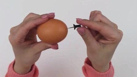 Un foro sull'uovo con una punessa: il motivo è geniale