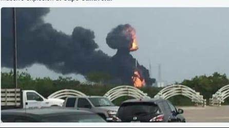 Esplosione a Cape Canaveral, incidente durante il test sul razzo Falcon 9