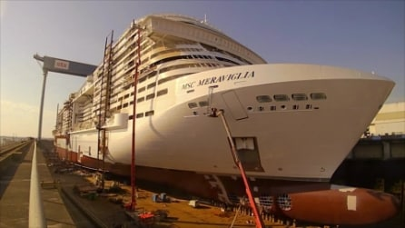 Come nasce una mega nave da crociera
