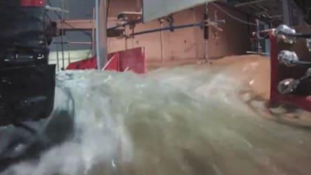 Il simulatore di tsunami più realistico al mondo: la potenza delle onde in laboratorio