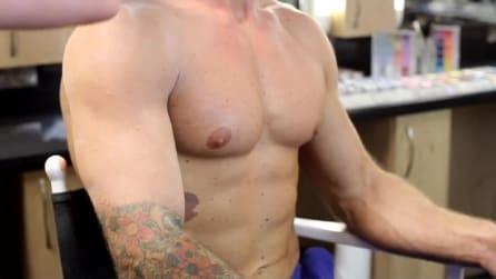 Eliminare i tatuaggi con il make up: ecco il tutorial