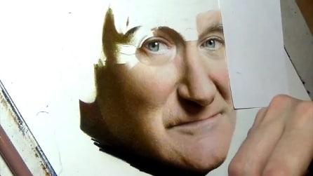Artista realizza il ritratto di Robin Williams in 5 minuti