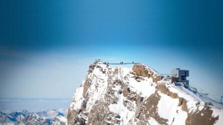 Ecco il primo ponte al mondo che collega due vette sulle Alpi
