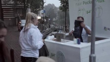 Olanda, un sarto allarga le tasche dei possessori dell'iPhone 6