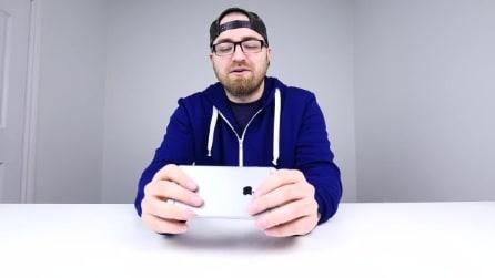 iPhone 6 Plus, la prova di piegamento