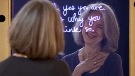 Lo specchio che aiuta le donne a vedersi sotto una luce migliore