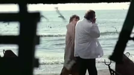 "Massimo Ferrero schiaffeggia Diego Abatantuono nel film ""Camerieri"""