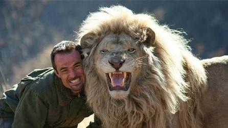 Kevin Richardson, il naturalista amico dei leoni