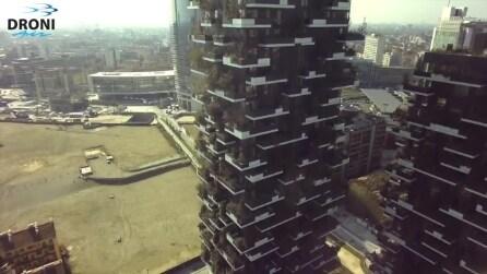 Il Bosco Verticale di Milano visto dal drone