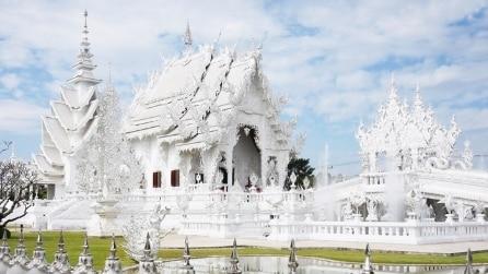 Un giro mozzafiato sorvolando il Tempio Bianco, la Sagrada Familia thailandese