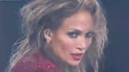 Da J.Lo a Nicki Minaj: le star sul palco degli American Music Awards