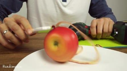 Come sbucciare le mele usando un trapano