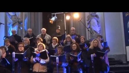 coro di Briolo Concerto di natale del 2014 6 ° brano ho heppy dei