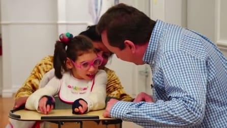 Non esisteva una scuola per sua figlia, il padre ne istituisce una per bambini con lesioni celebrali