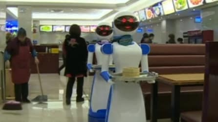 Un ristorante in Cina ha sostituito i camerieri con i robot