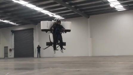 L'uomo esaudisce il suo più grande desiderio: ora potrà volare